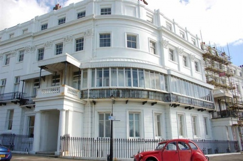 Nos. 16-17 Lewes Crescent, a military hospital in WWI.  Photo by Tony Mould courtesy of MyBrightonandHove.