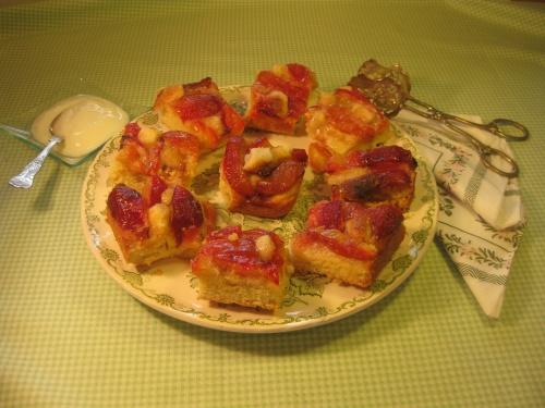 PLUM AND ALMOND SQUARES recipe