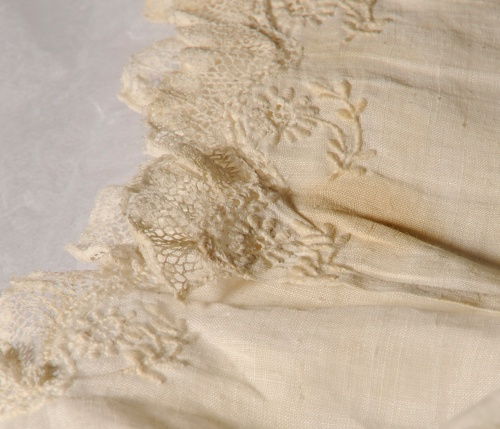 Gown lace detail